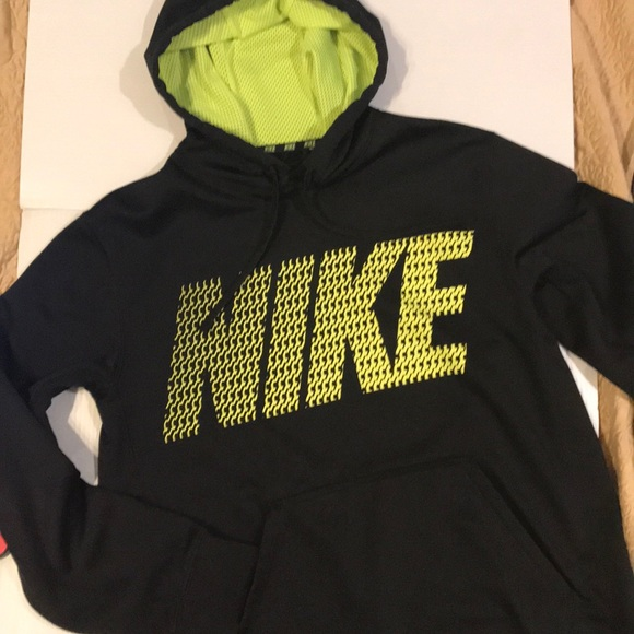 98b879d3e6d6 Nike Therma-Fit Black   Yellow lined mesh Hoodie. M 5c3a6dd89539f790fa99fdd1